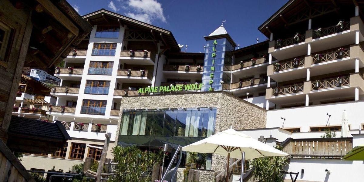 Alpine palace saalbach casino matt bond poker