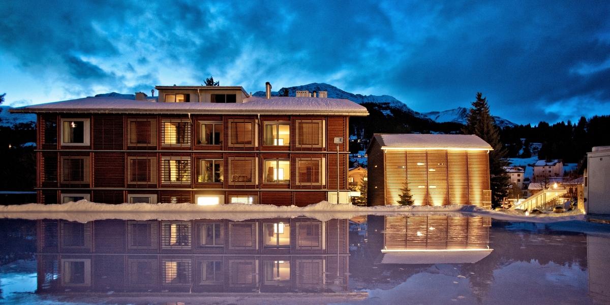 Valbella inn resort gastfreund for Moderne hotels nrw