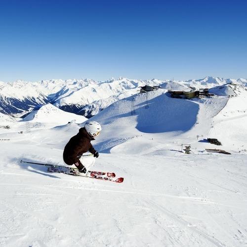 Schneesport Skifahrer Piste Parsenn