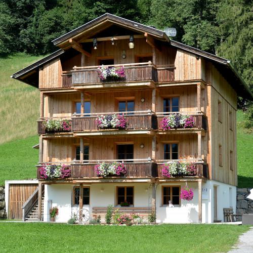 Ferienhaus-Bockstecken-Hart-Talstrasse-83-Stefanie-Daxenbichler-Haus-Sommer1.jpg