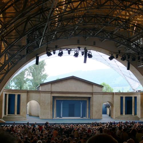 Passionstheater_Andreas Praefcke CC BY-SA 3.0 via Wikimedia Commons.jpg