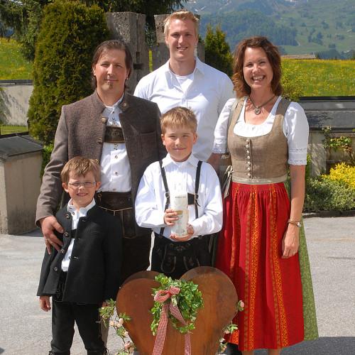 Familienfoto Familie Mayrl, Ferienhof Obertenn, Hochfilzen