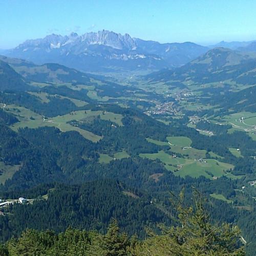 Blick aus Hochfilzen zum Wilden Kaisergebirge