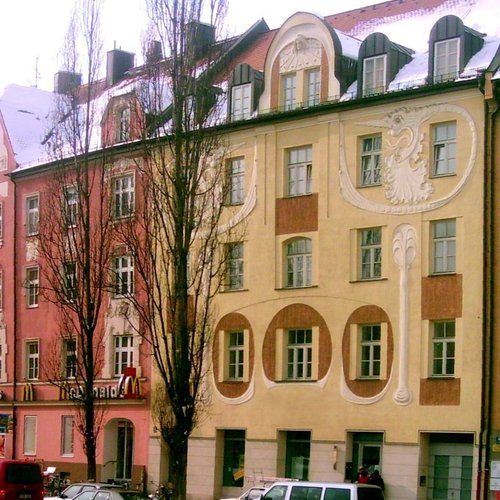 Munich_Sendling_Harras_Art_Nouveau_Facades_ by Zerohund CC BY SA 3.0 via wiki commons.jpg