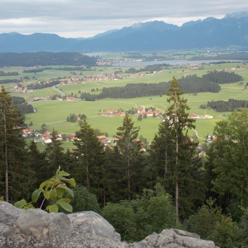 Blick von den Burgruinen Hohenfreyberg und Eisenberg