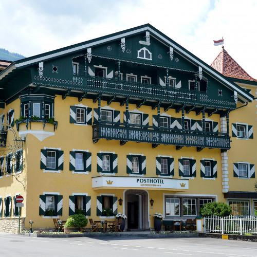 Posthotel-Mayrhofen-Haus-Sommer4.jpg