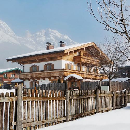 Bewegte_Berge_Haus_Winter_03_web.jpg