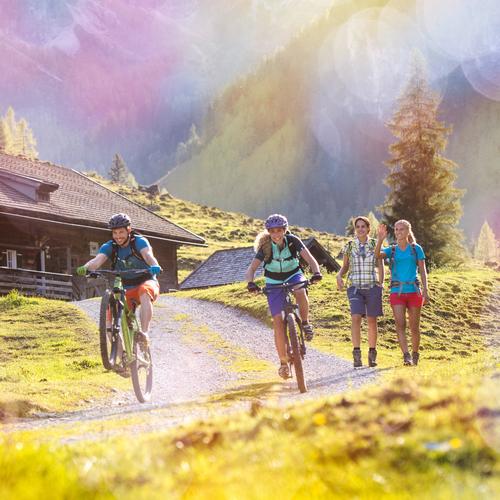 Wandern und Mountainbiken in Flachau