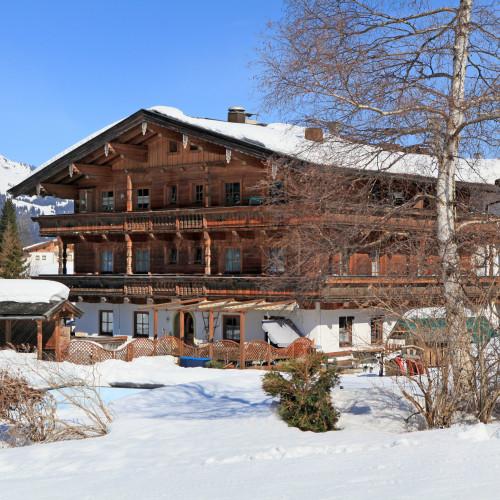 Aschauerhof-Pletzer-Hans-Aschau-Dorf-33-Kirchberg-Haus-Winter.jpg