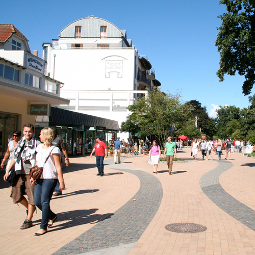 Kurpromenade_Timmendorfer Strand Niendorf Tourismus GmbH.jpg