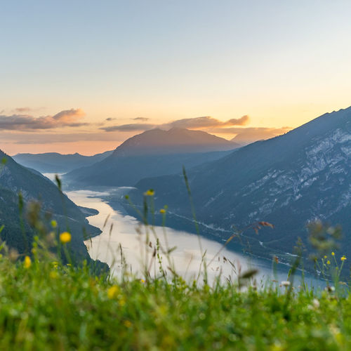Sonnenaufgang am Zwölferkopf in Pertisau_Achensee Tourismus via Tirol Werbung.jpg