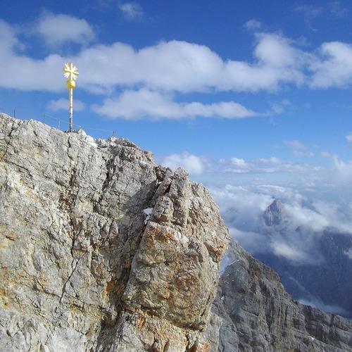 Zugspitze_CC0 via Pixabay.jpg