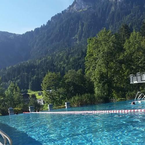 schwimmbadfoto2_Hotel Dorfgasthof Adler Mellau.jpg