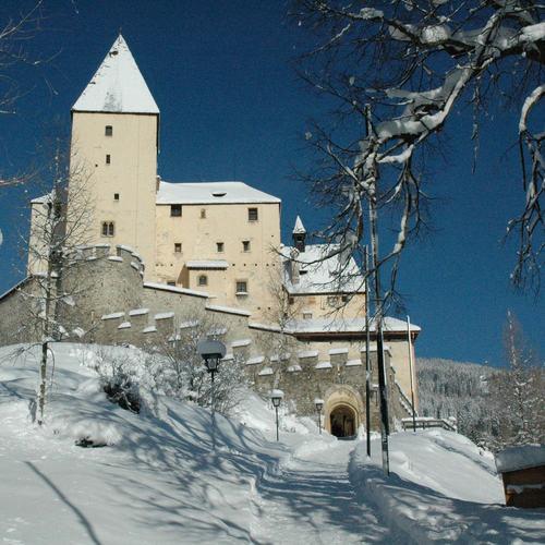 Burg Mauterndorf im Winter_