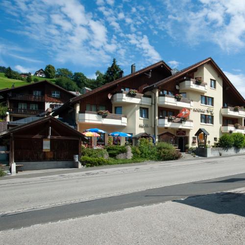 Schönau_Wildhaus_Aussen.jpg