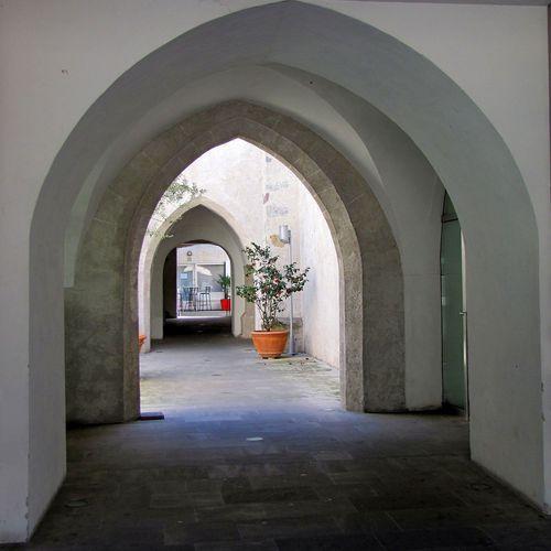 Meran_Klarissenkloster_Passage.jpg