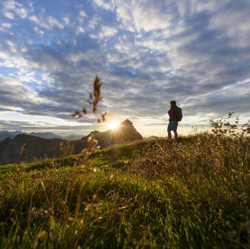 Sonnenuntergang_im_Rofan_im_Hintergrund_der_Hochiss__AchenseeTourismus.jpg