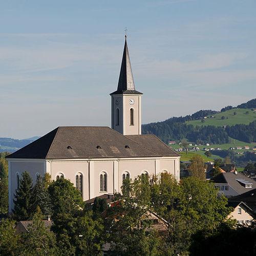 800px-Kath._Pfarrkirche_Hl._Martin,_Alberschwende_3.JPG