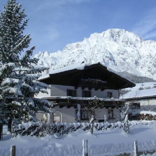 Haus im Winter0.JPG