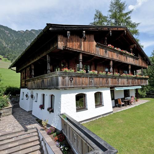 Landhaus-Alpbach-Familie-Steffi-Daxenbichler-Alpbach-542-Haus-Sommer5.jpg