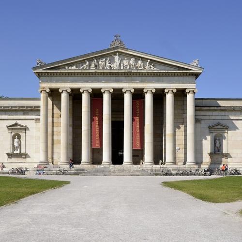 Glyptothek_in_München_in_2013 By High Contrast CC BY 3.0 de via wiki commons.jpg