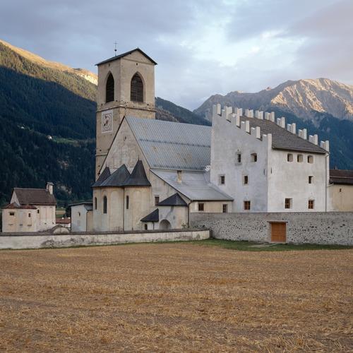Koster Sankt Johann_ Graubünden Ferien Turissem Val Mü.TIF