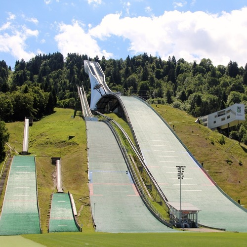 Skisprungschanze Garmisch_CC0 via Pixabay.jpg