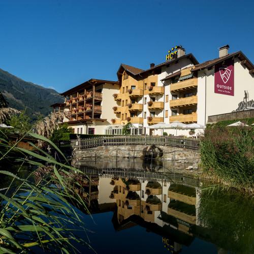 1.1.Hotel-Outside-(c)-Carolin-Thiersch-02628.jpg