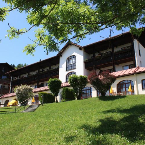 Alpenblickhotel Oberstaufen Sommer.JPG
