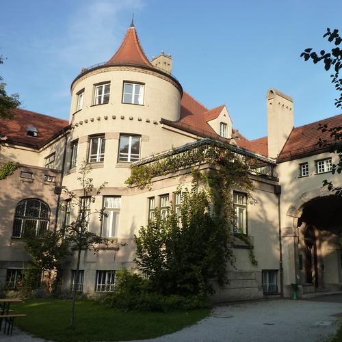 Seidlvilla-Schwabing_(4) (c) Christiane dittrich CC BY SA 3.0 via wiki commons.jpg