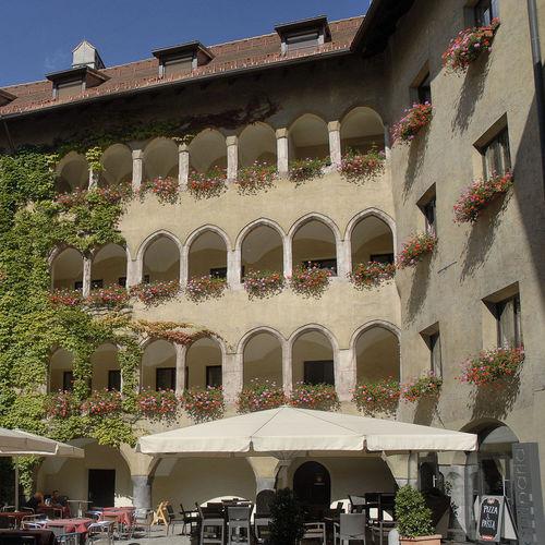 Altstadt Schwaz_Haneburger CC 0 via Wikimedia Commons.JPG
