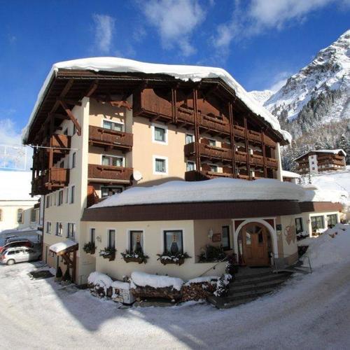IMG_7061Hotel Bergland aussen winter 12.jpg