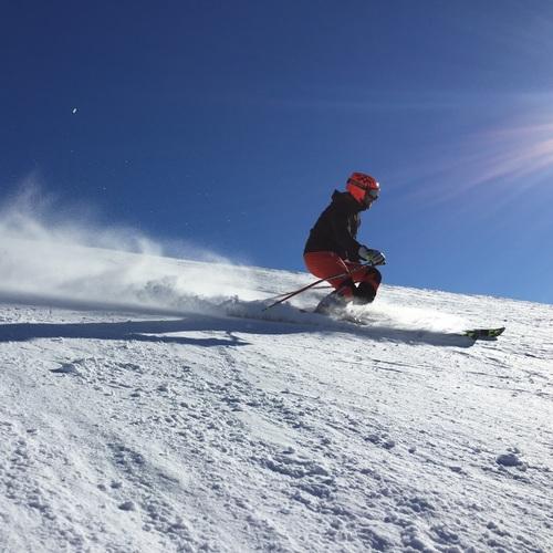Skifahren Winter.jpg