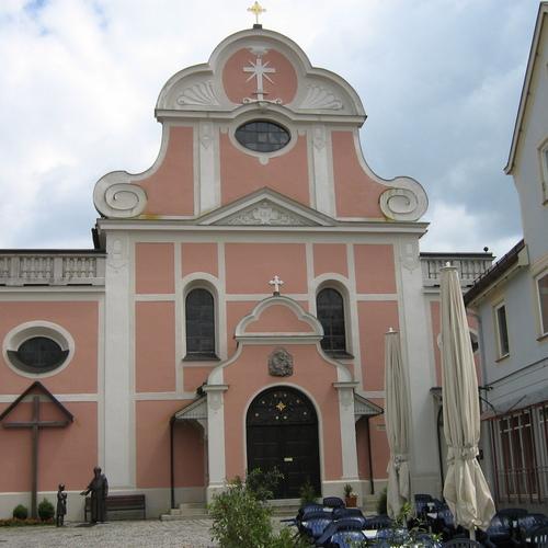 Kapuzinerkirche St. Josef_Christian Faulhammer CC BY-SA 2.5 via wikimedia commons.jpeg