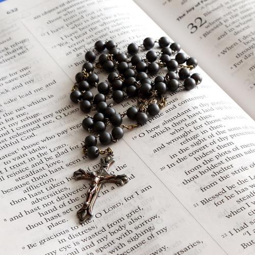 rosary-699609_1280.jpg
