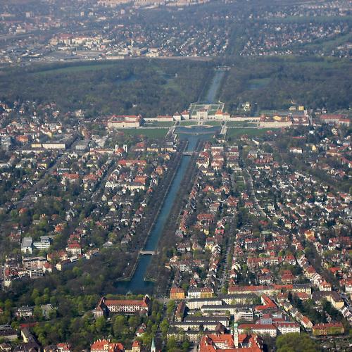 München_-_Nymphenburg_(Luftbild) (c) Maximilian Dörrbecker (Chumwa) CC BY SA 2.5 via wiki commons .jpg