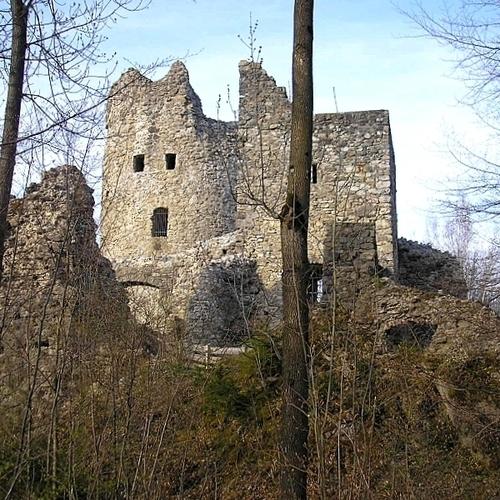 Burgruine Laubenbergerstein_Dark Avenger CC BY-SA 3.0 via wikimedia commons.jpg