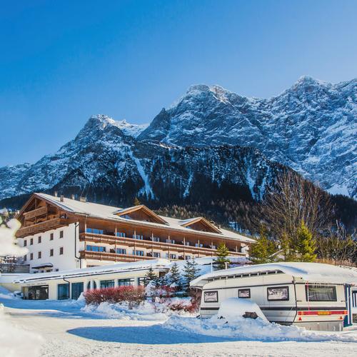 zugspitze-resort-berge-ausblick.jpg