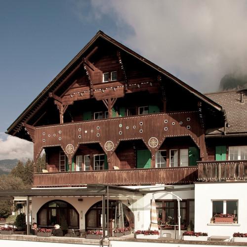 Hotel_aussen_01.jpg
