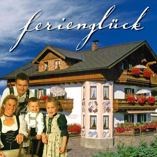 Ferienglück-Haus mit Familie Kriner.jpg