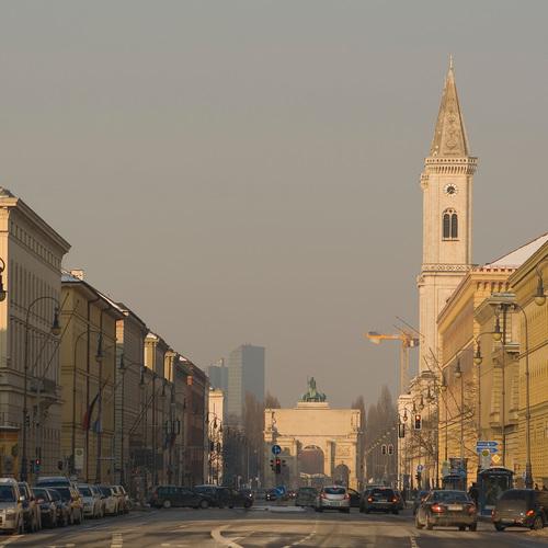 Leopoldstrasse,_München,_Deutschland by Diego Delso CC BY 3.0 via wiki commons.jpg