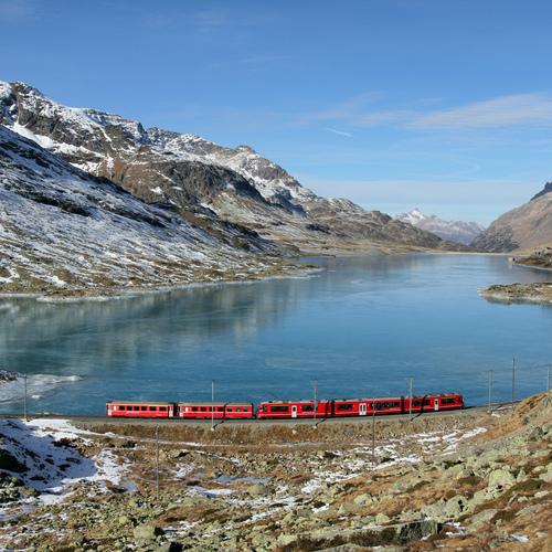 Rhätischebahn auf dem Berninapass