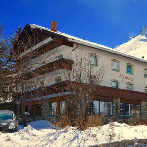 Clubdorf HOTEL Alpenrose.jpg