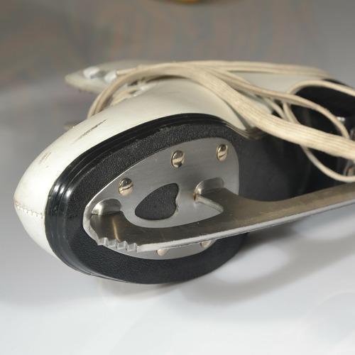 skate-273122_1920.jpg
