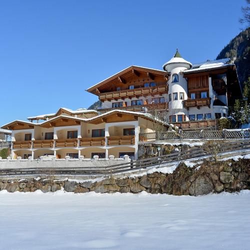 Hotel-Laendenhof-Mayrhofen-Jakob-Moser-Strasse-599-Gerhard-Volgger-Haus-Winter4.jpg