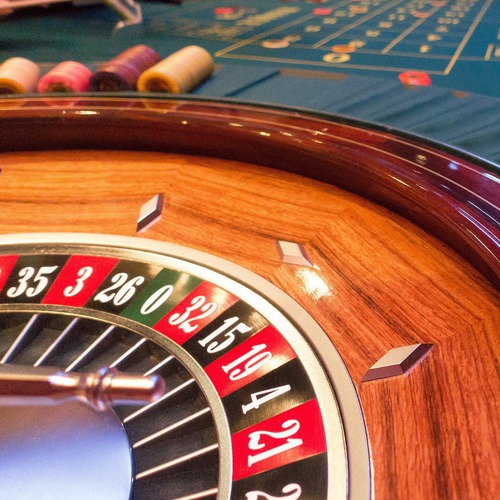 game-bank-1003151_1920.jpg