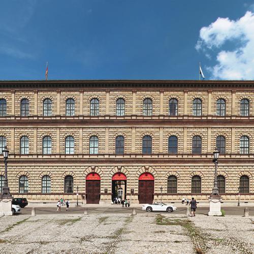 Münchner_Residenz_(c) Meister Eiskalt. MagentaGreen CC-BY-SA 4.0 via wiki commons.jpg