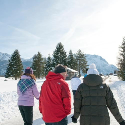 Geräumte Winterwanderwege_(c) Alpenwelt Karwendel, Idee und Werbung.jpg
