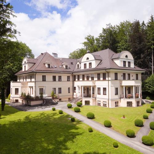 Villa Tosana Aussenansicht.jpg