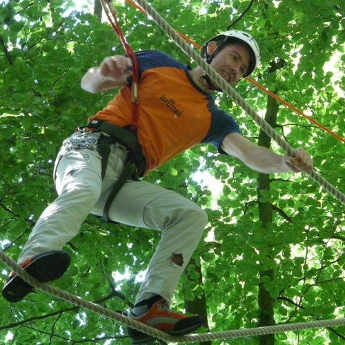 high-ropes-course-58665_1920.jpg